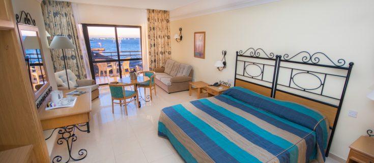 Room - Twin Sea View (3)